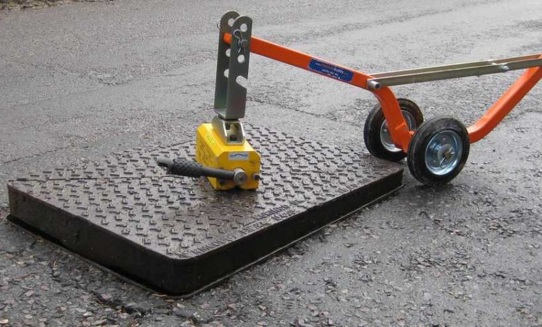 Photo of Finding Safe Lifting Equipment for Manhole Cover Lift